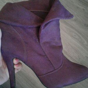 Heel bootie